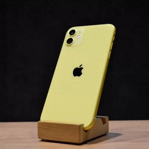 б/у iPhone 11 64GB, середній стан (Yellow)