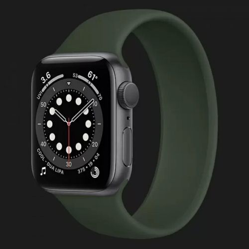 Apple Watch Series 6 44mm Space Gray with Cyprus Green Solo Loop